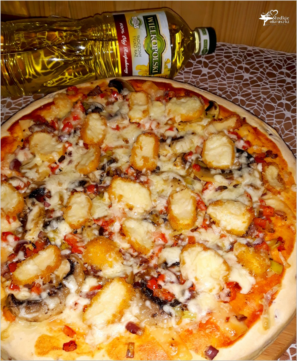 [Przepis] Pizza Z Nuggetsami Na Grubym Cebulowym Cieście